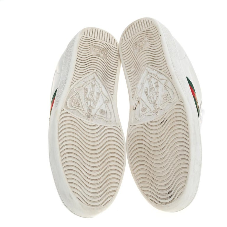 Gucci White Leather Embroidered Bee Ace Low-Top Sneakers Size 37 In Good Condition For Sale In Dubai, Al Qouz 2