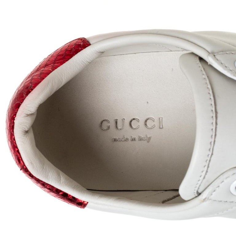Gucci White Leather Embroidered Bee Ace Low-Top Sneakers Size 37 For Sale 1