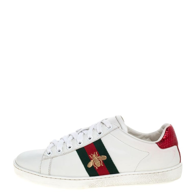 Gucci White Leather Embroidered Bee Ace Low-Top Sneakers Size 37 For Sale 2