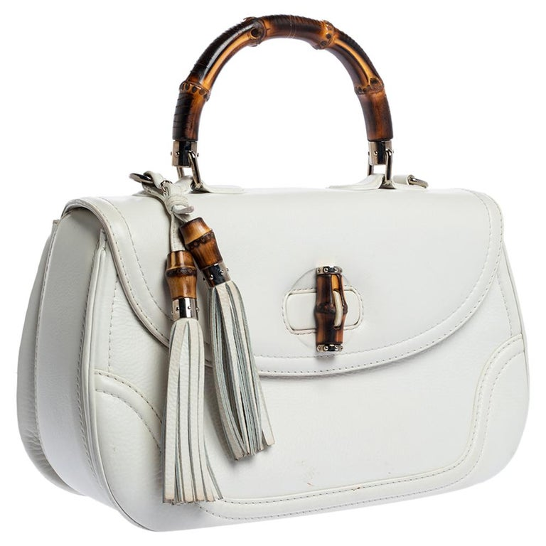 Gucci White Leather Large New Bamboo Tassel Top Handle Bag In Good Condition For Sale In Dubai, Al Qouz 2