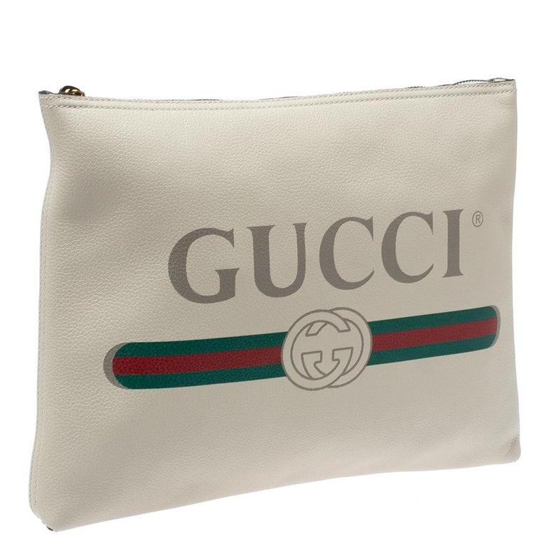 Gucci White Leather Logo Porforlio Pouch In New Condition In Dubai, Al Qouz 2