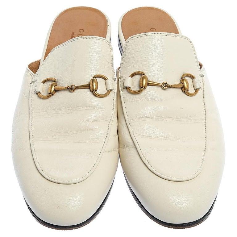 Gucci White Leather Princetown Horsebit Mules Size 39.5 In Good Condition For Sale In Dubai, Al Qouz 2