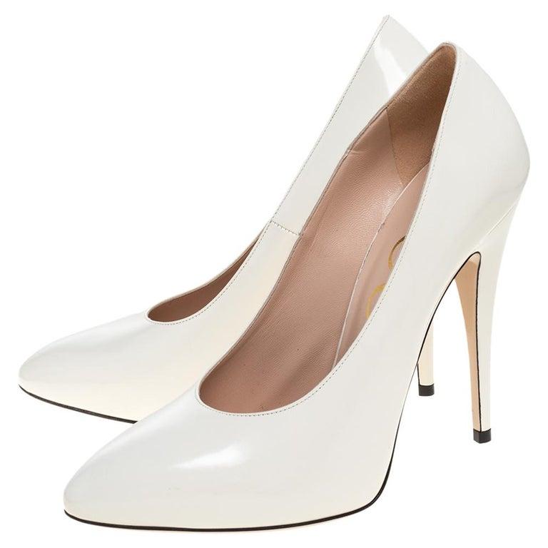 Gucci White Leather Pumps Size 39 In Excellent Condition For Sale In Dubai, Al Qouz 2