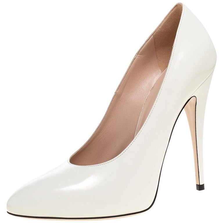 Gucci White Leather Pumps Size 39 For Sale