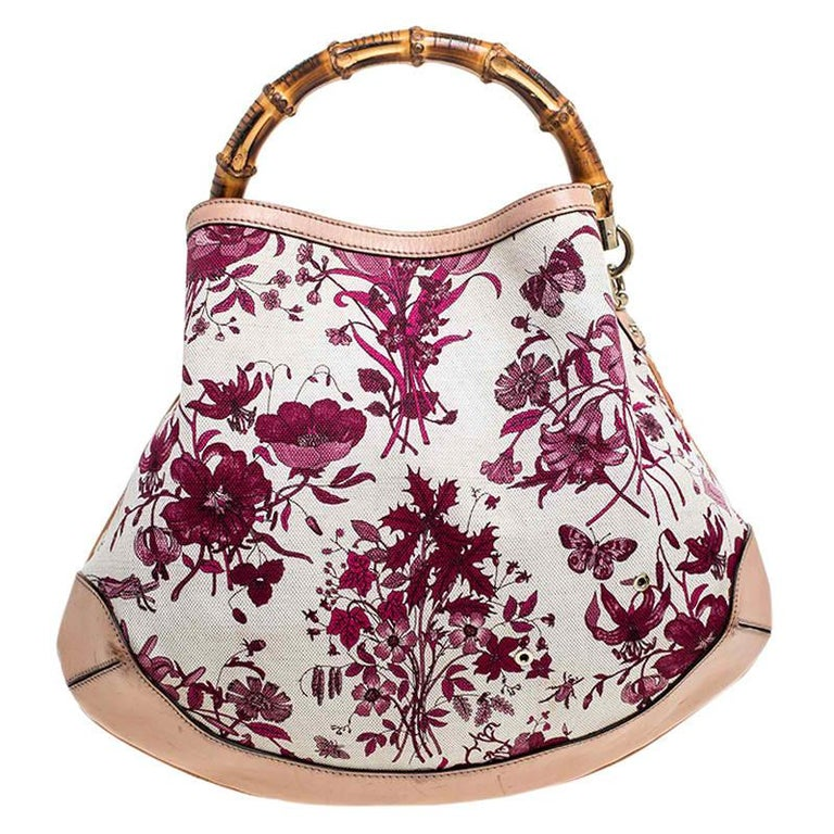 Handbags as fabulous as this one are hard to come by. So, own this gorgeous Gucci Peggy bag today and light up your closet! Crafted from floral canvas and styled with leather trims, this stunning number has a spacious fabric interior. It is held by