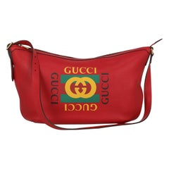 Gucci Woman Shoulder bag  Red Leather