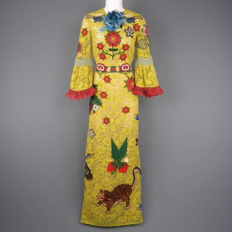 Gucci Yellow Lace Embroidered Dress Gown,  Cruise 2016 Collection In Excellent Condition For Sale In San Francisco, CA