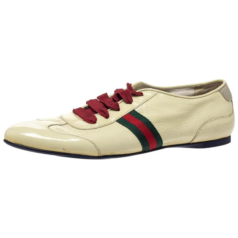 Gucci Yellow Patent Leather Web Detail Lace Up Low Top Sneakers Size 38.5 For Sale