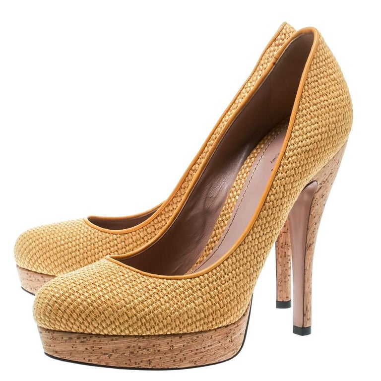 741432f5b Gucci Yellow Woven Jute Bumblebee Cork Platform Pumps Size 37 For Sale 3