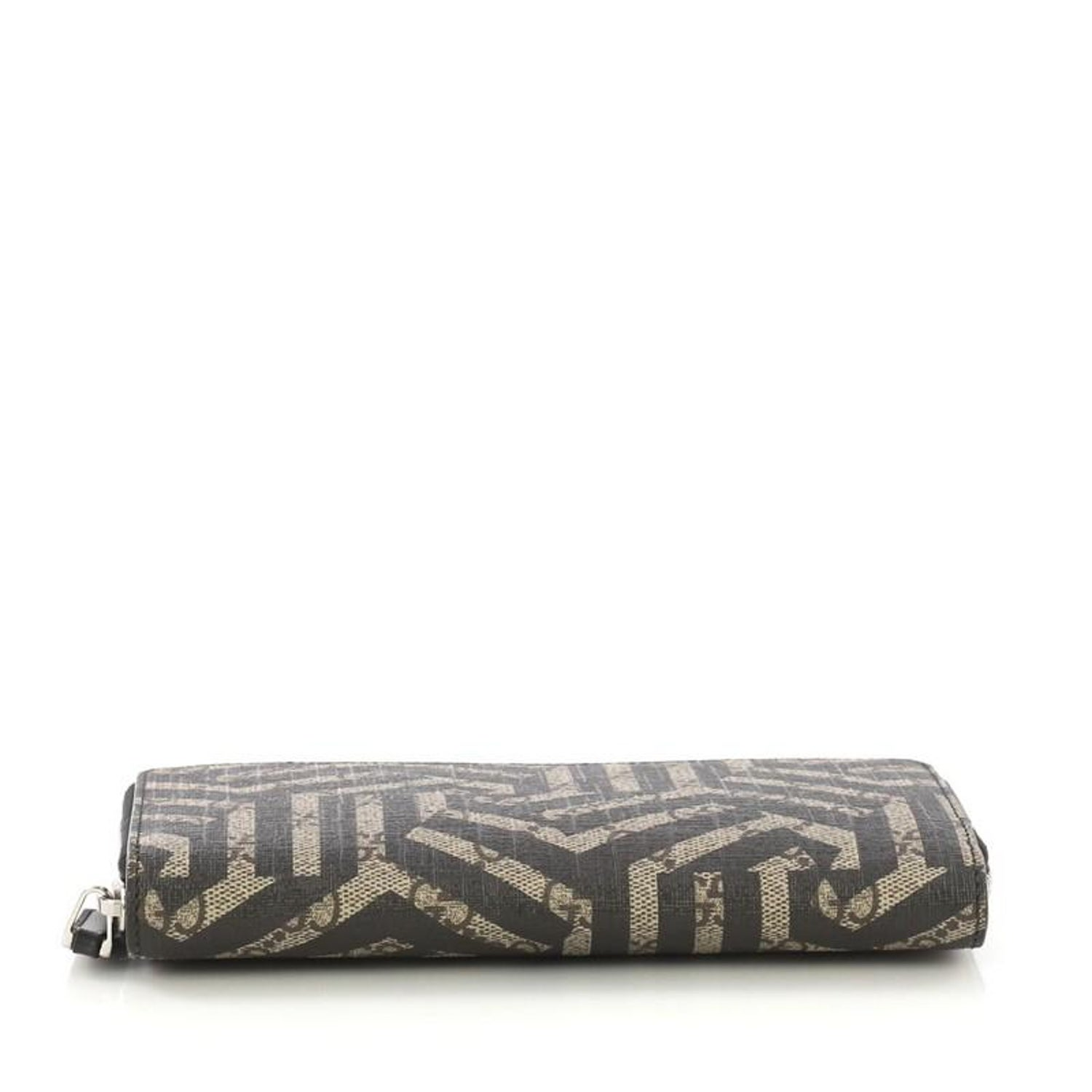 2e1564fecd4e Gucci Zip Around Wallet Printed GG Coated Canvas For Sale at 1stdibs
