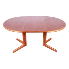 Gudme Møbelfabrik Danish Modern Sculpted Teak Extension Dining Table