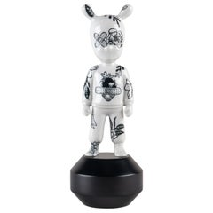 Guest by Henn Kim Figurine, Small model, Numbered Edition