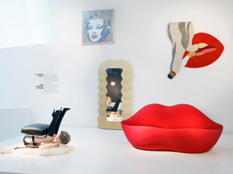 GUFRAM Bocca Couch in Fire Red by Studio 65 In New Condition For Sale In Barolo, IT