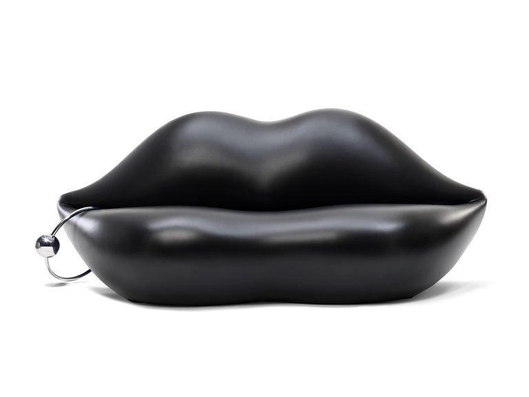Bocca, the original 1970 lips-shaped couch is only Gufram's. This sensual couch, which is ideal for a tête-à-tête, has entered the collective imagination on par with Andy Warhol's works, as well as other pop art masterpieces and represents the