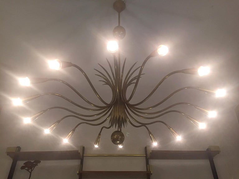 Guglielmo Ulrich 'Attributed' Mid-Century Sixteen-Arm Brass Chandelier 5
