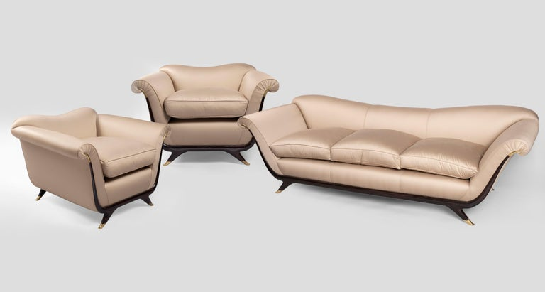 Brass Attributed to Guglielmo Ulrich Pair of Armchairs in Silk, 1940s For Sale