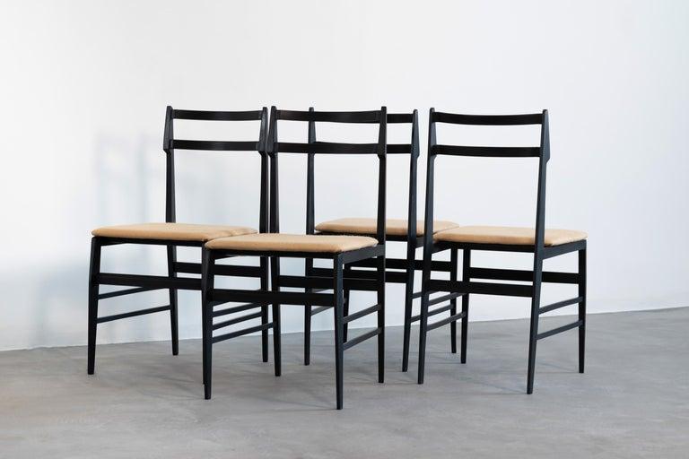 Italian Guglielmo Ulrich Set of Four Chairs Ebonized Wood and Fabric for Saffa, 1960 For Sale