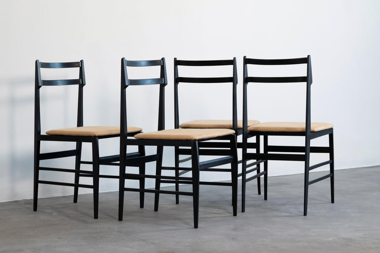 Guglielmo Ulrich Set of Four Chairs Ebonized Wood and Fabric for Saffa, 1960 In Good Condition For Sale In Montecatini Terme, IT