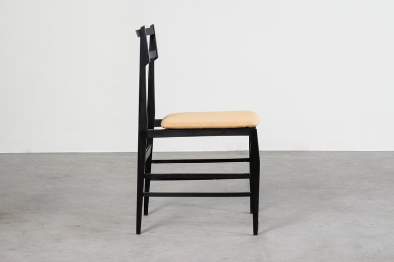 Guglielmo Ulrich Set of Four Chairs Ebonized Wood and Fabric for Saffa, 1960 For Sale 1
