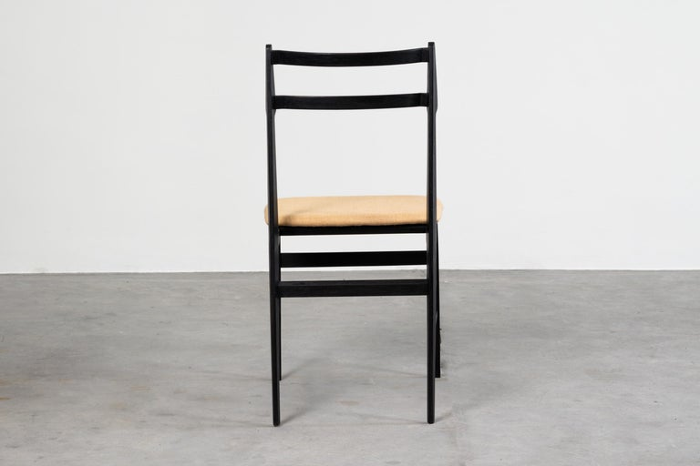 Guglielmo Ulrich Set of Four Chairs Ebonized Wood and Fabric for Saffa, 1960 For Sale 2