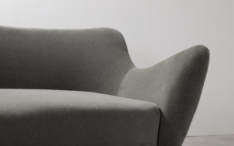 Guglielmo Veronesi for ISA Bergamo, Italian Mid Century Sofa in Mohair Fabric For Sale 8