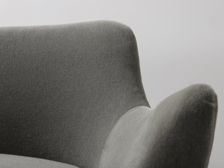 Guglielmo Veronesi for ISA Bergamo, Italian Mid Century Sofa in Mohair Fabric For Sale 11