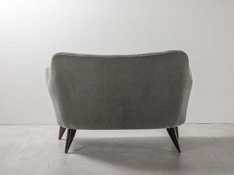 Mid-20th Century Guglielmo Veronesi for ISA Bergamo, Italian Mid Century Sofa in Mohair Fabric For Sale