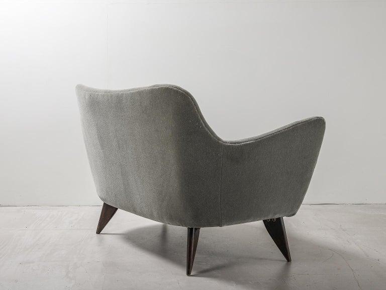 Guglielmo Veronesi for ISA Bergamo, Italian Mid Century Sofa in Mohair Fabric For Sale 1