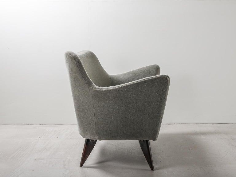 Guglielmo Veronesi for ISA Bergamo, Italian Mid Century Sofa in Mohair Fabric For Sale 2