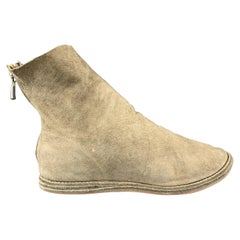 GUIDI Size 8 Beige Suede Back Zip Ankle Boots