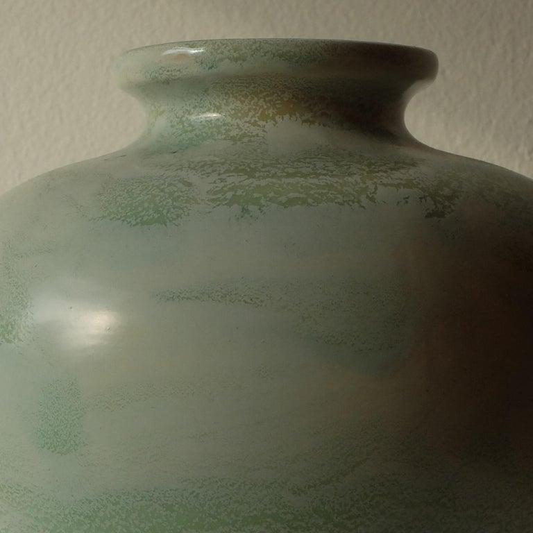 Guido Andlovitz Lavenia, elegant vase in glazed ceramic, 1930s.    Please note : the