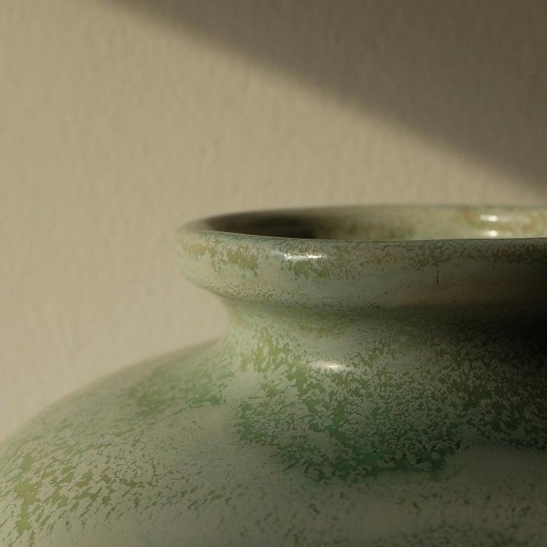 Guido Andlovitz Lavenia, Elegant Vase in Glazed Ceramic, 1930s In Good Condition For Sale In Milan, IT