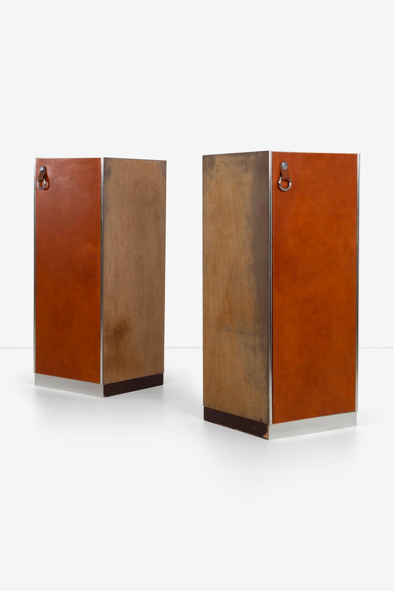 Italian Guido Faleschini for Mariani Pace Collection, Pair of Cabinets For Sale