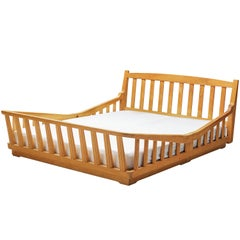 Guillerme & Chambron Double Bed in Solid Oak