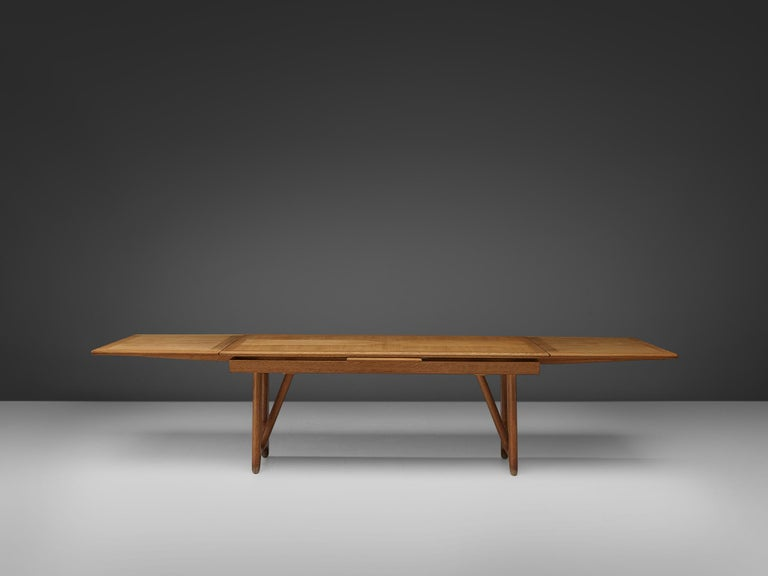 French Guillerme & Chambron Extendable Dining Table in Oak