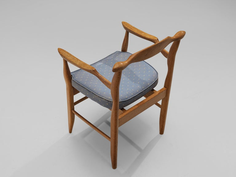 Guillerme & Chambron Pair of Armchairs Model 'Fumay' in Oak and Blue Upholstery For Sale 4