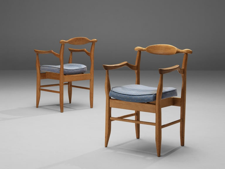Mid-20th Century Guillerme & Chambron Pair of Armchairs Model 'Fumay' in Oak and Blue Upholstery For Sale