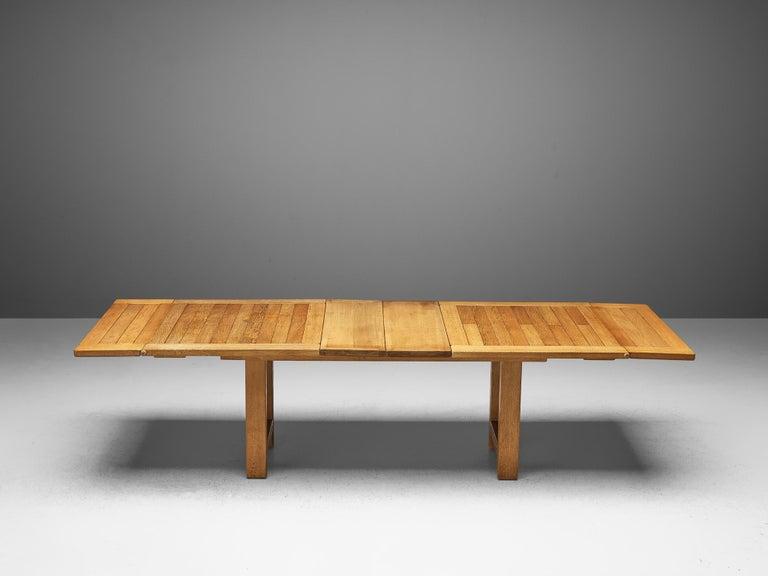 Mid-Century Modern Guillerme et Chambron Extendable Dining Table 'Bourbonnais' in Oak For Sale