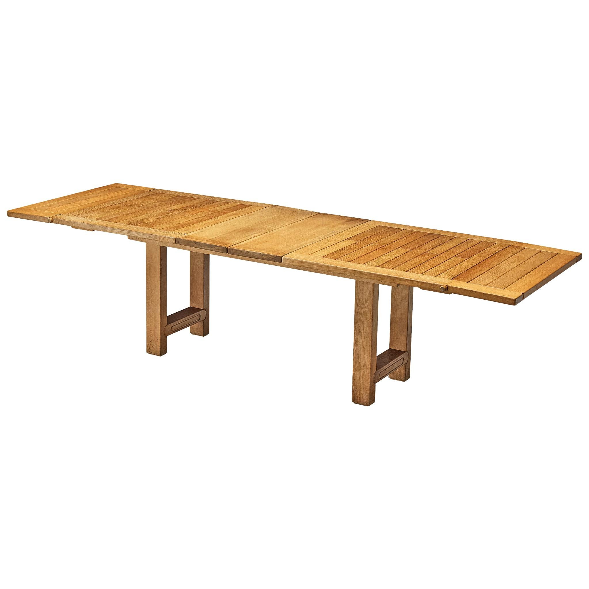 Guillerme et Chambron Extendable Dining Table 'Bourbonnais' in Oak