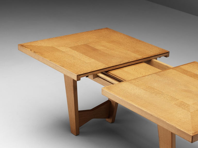 Guillerme et Chambron Extendable Dining Table in Oak For Sale 4