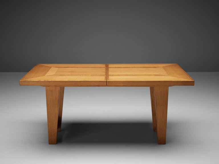 Guillerme et Chambron Extendable Dining Table in Oak For Sale 6