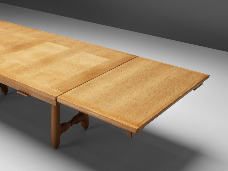 Mid-Century Modern Guillerme et Chambron Extendable Dining Table in Oak For Sale