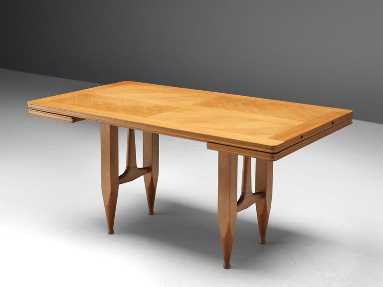 Guillerme et Chambron Extendable Dining Table in Solid Oak For Sale 4