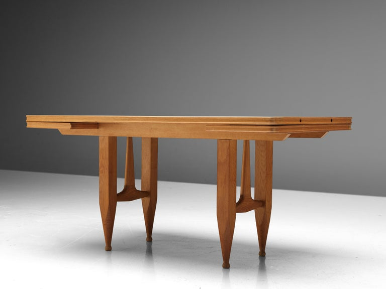 Guillerme et Chambron Extendable Dining Table in Solid Oak For Sale 5