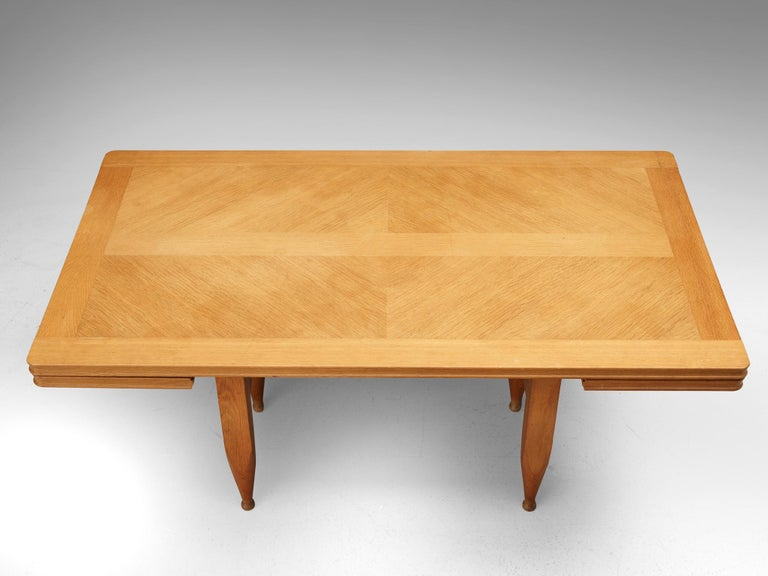 Guillerme et Chambron Extendable Dining Table in Solid Oak For Sale 7