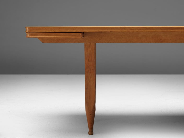 Guillerme et Chambron Extendable Dining Table in Solid Oak For Sale 3