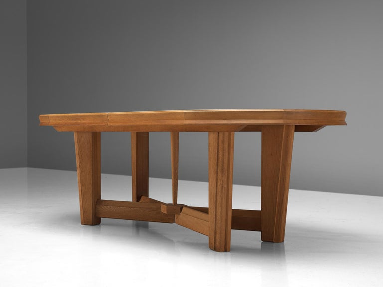 Guillerme et Chambron Extendable Oval Dining Table in Oak For Sale 1