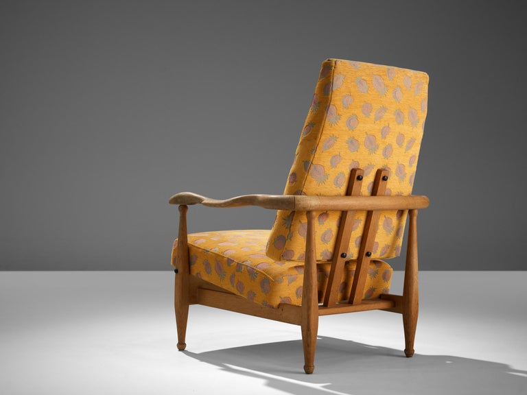 Guillerme et Chambron Lounge Chair 'Air France' in Oak In Good Condition For Sale In Waalwijk, NL