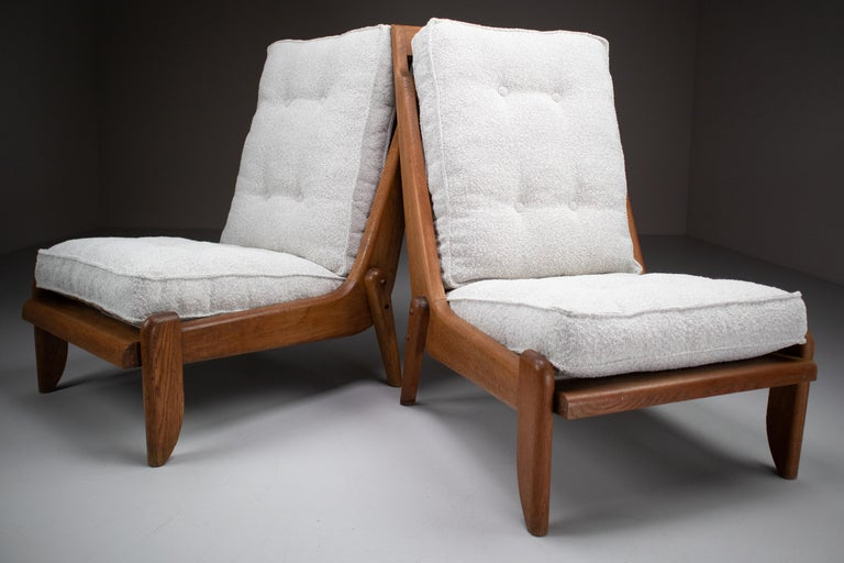 Mid-Century Modern Guillerme et Chambron Lounge Chairs in Blond Oak and Bouclé Fabric, France, 1950 For Sale