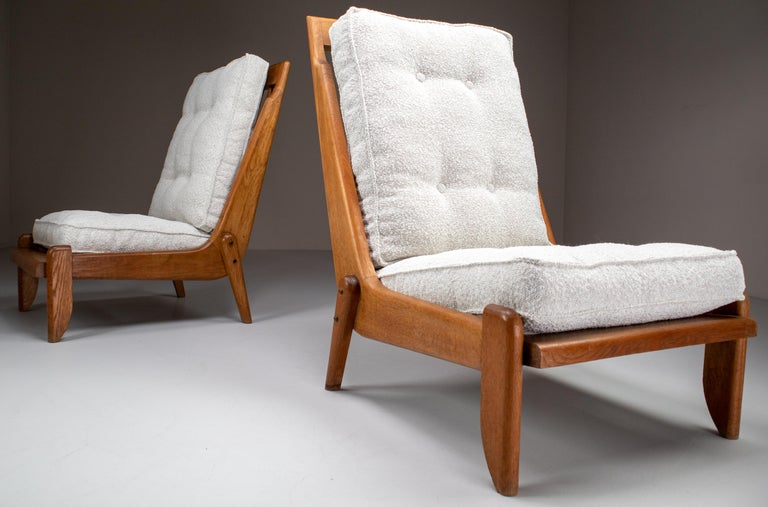 Guillerme et Chambron Lounge Chairs in Blond Oak and Bouclé Fabric, France, 1950 In Good Condition For Sale In Almelo, NL